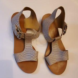 Latigo Sandals